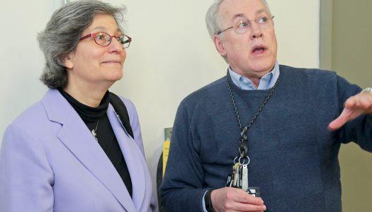 Wigner Distinguished Lecturer Visits OLCF