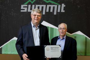 OLCF Program Director Buddy Bland (left) with Center for Computational Sciences Director Jim Hack.